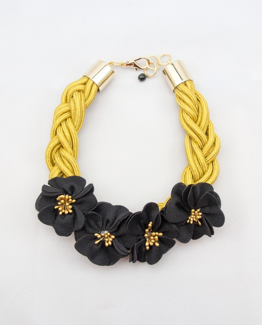 Collar Lucca
